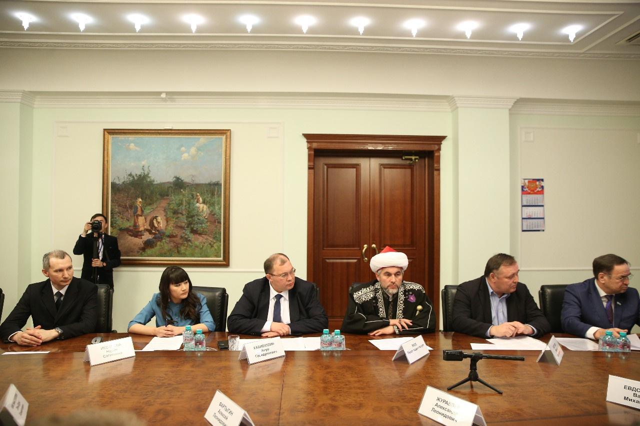 Photo of Рустэм Хамитов встретился с башкирской общественностью, проживающей в Челябинской области