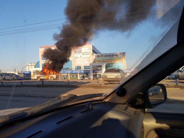 Photo of На улицах Уфы сгорел пассажирский ПАЗик