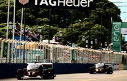 Первые гонки самоуправляемых автомобилей в Formula E закончились аварией