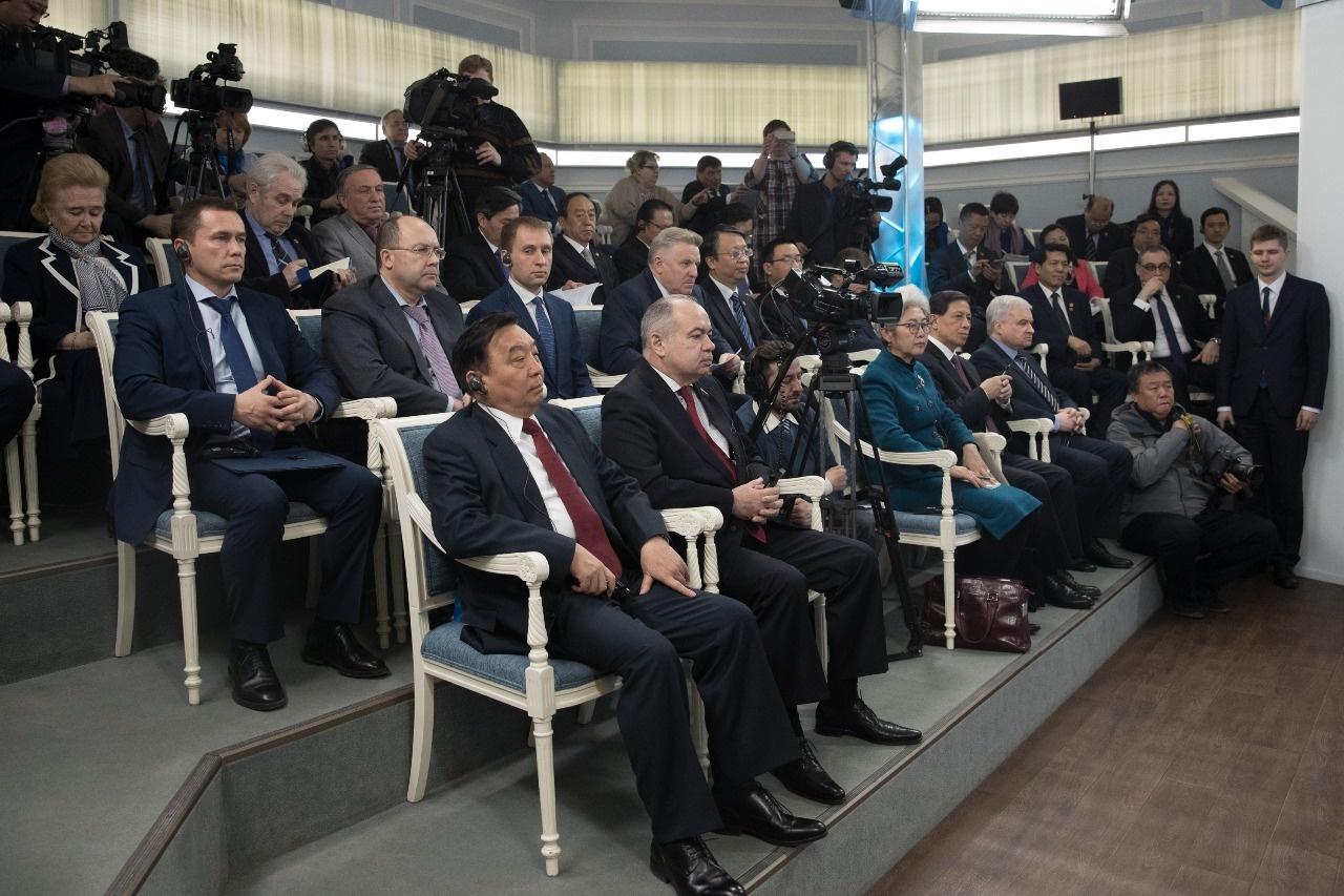 Photo of Рустэм Хамитов: «С Китаем мы ведём настоящую работу по привлечению инвестиций и строительству новых предприятий»