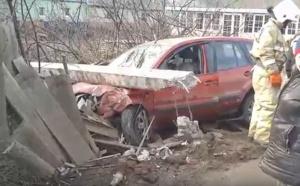 Photo of В Стерлитамаке водитель влетел в столб и оставил людей без электричества