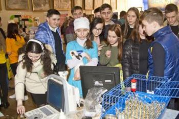 Photo of В Стерлитамаке в «Ярмарке профессий» приняли участие 1800 школьников