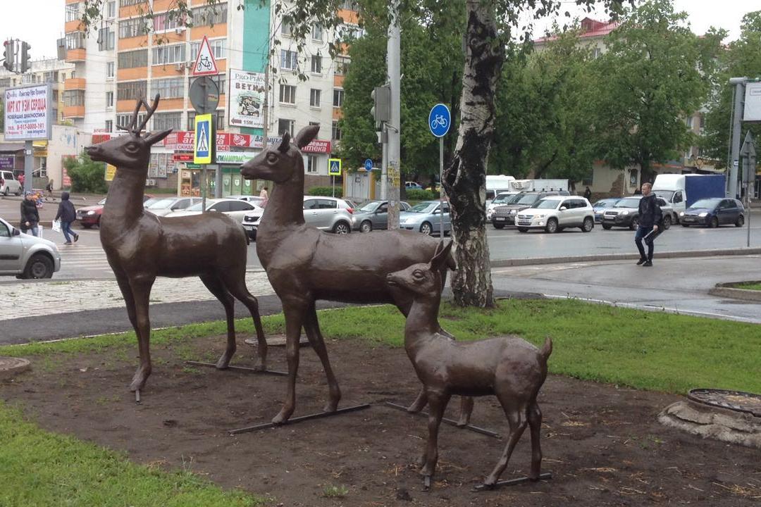 В Уфe «Сeмья оленей» вернулась после реставрации
