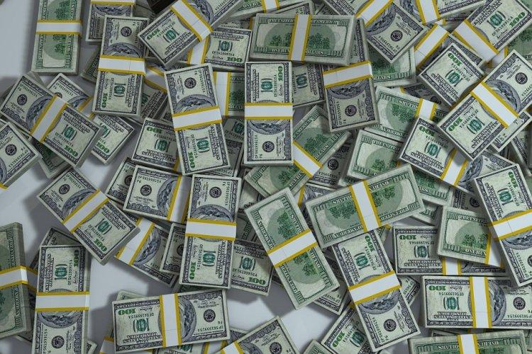 Photo of Жадная женщина съела семь тысяч долларов, чтобы не отдавать их мужу