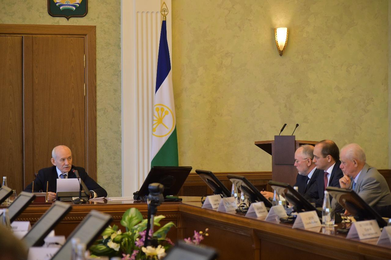 На заседании Совета по науке при Главе Башкортостана обсудили вопросы развития нефтехимического комплекса