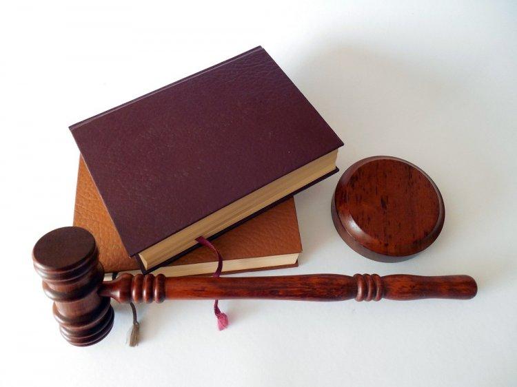 Photo of Адвокаты и нотариусы будут бесплатно помогать в спорах с чиновниками