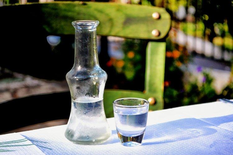 Ученые создали не вызывающую похмелье водку