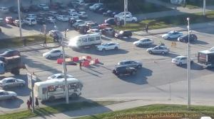 Photo of В центре Уфы провалился асфальт на проезжей части, на дороге — пробки
