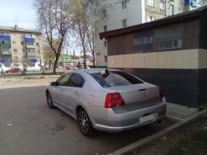 Photo of «Приезжайте чай попить»: на ул.Дружбы в Стерлитамаке чайником пробили заднее стекло иномарки