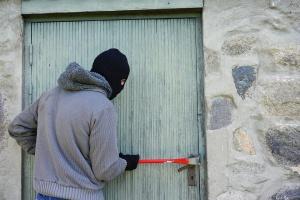 В Ишимбае преступник проник в чужой дом, чтобы пообедать - новости Ишимбая