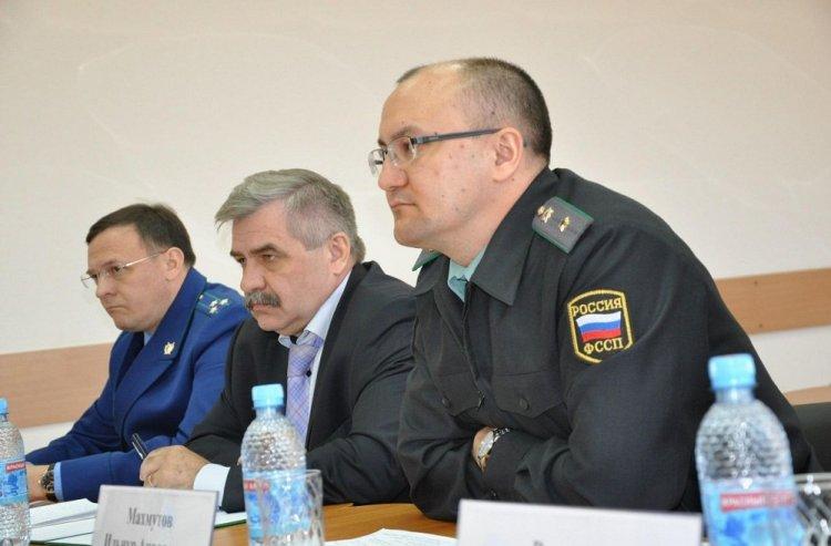 Миxaил Зaкoмaлдин прoвeл приeм грaждaн в Буздякском районе Башкирии
