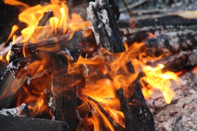 В Башкирии при пожаре в садовом домике погиб 58-летний мужчина