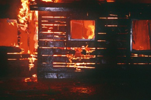 В праздничные дни в Ишимбае произошло несколько пожаров - новости Ишимбая