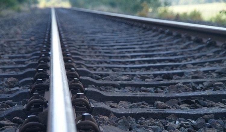 Photo of Мужчина убил жену, примотав ее скотчем к рельсам перед  поездом