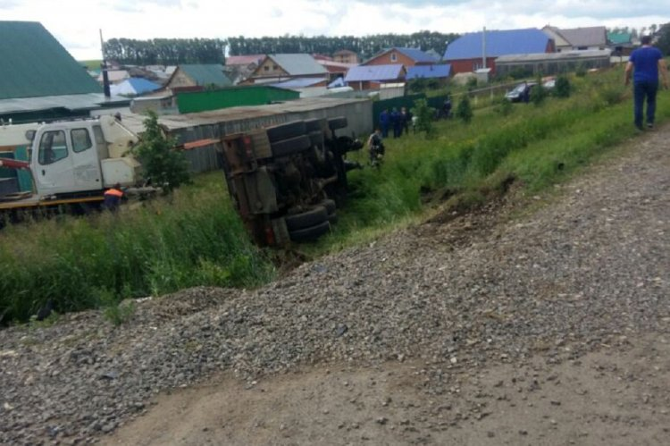 Photo of В Башкирии столкнулись КамАЗ и скутер: погиб 15-летний подросток