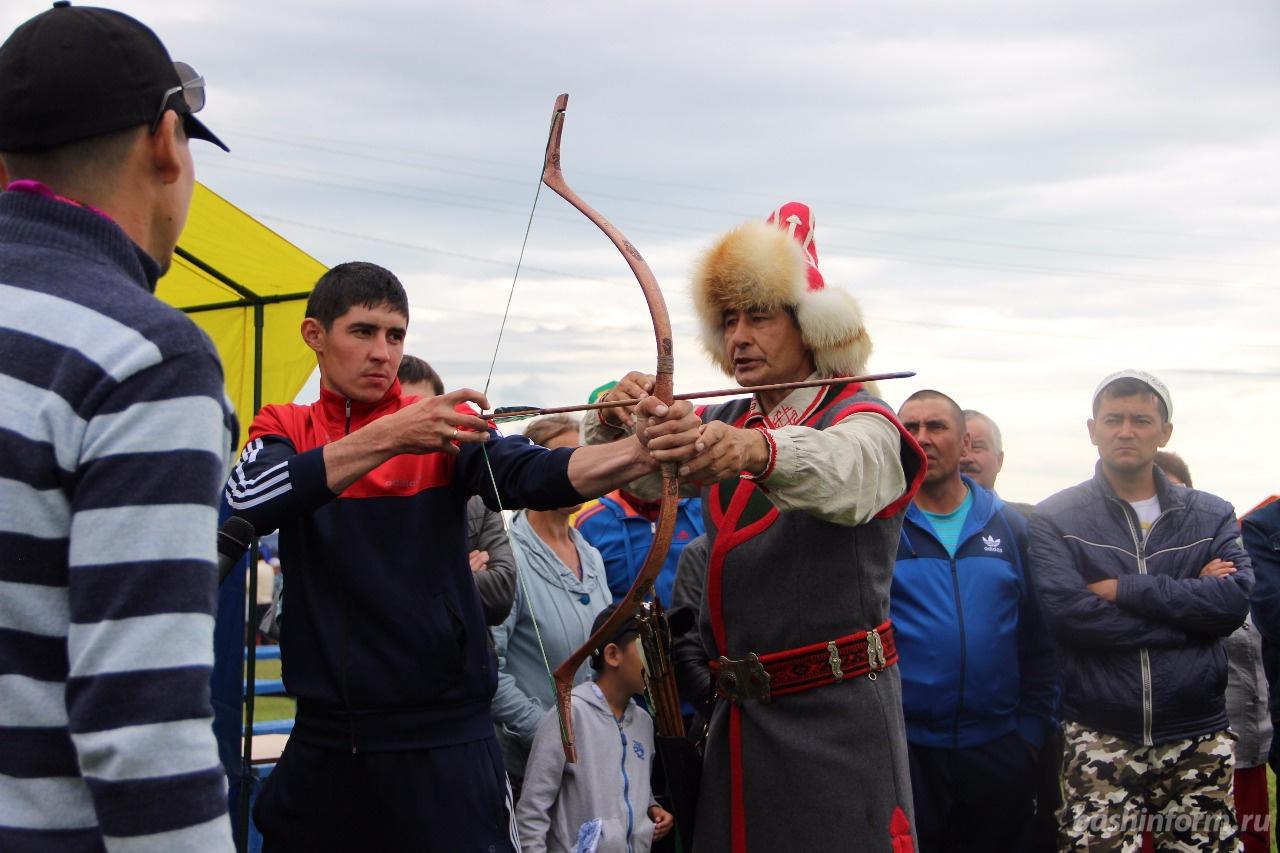 Photo of Жителей Башкирии научили горловому пению и стрельбе из лука