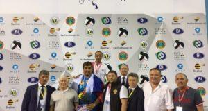 Рустем Арсланов и Артур Зулькарнаев стали чемпионами мира по борьбе на поясах