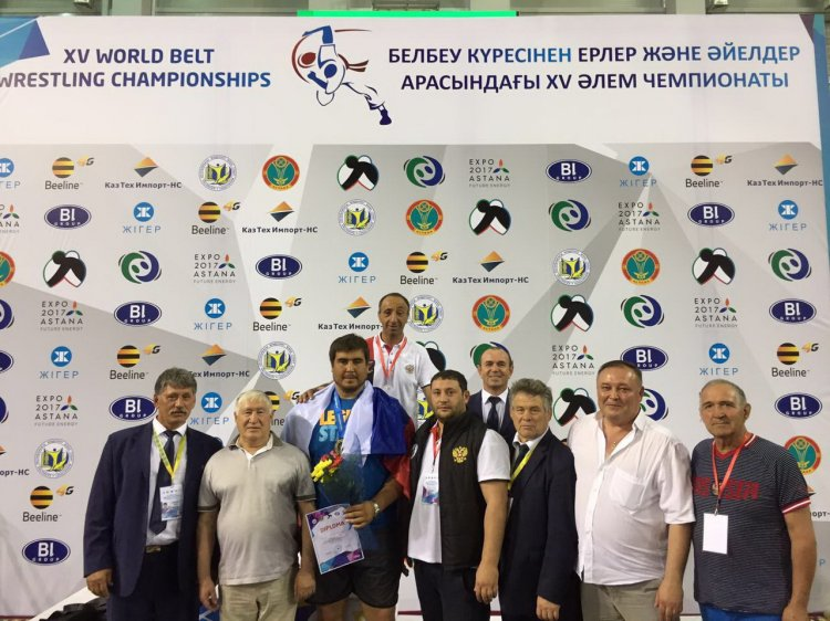 Photo of Рустем Арсланов и Артур Зулькарнаев стали чемпионами мира по борьбе на поясах