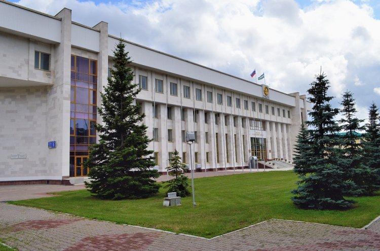 Photo of Рустэм Хамитов выступил на итоговом заседании весенней сессии Государственного Собрания – Курултая республики