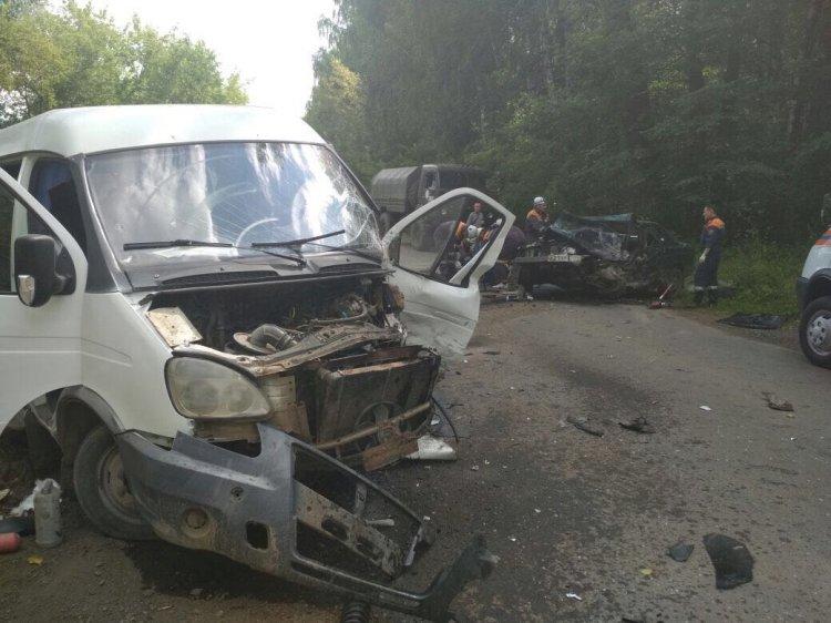 Photo of Смертельное ДТП в Уфе: столкнулись маршрутная ГАЗель и легковушка