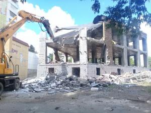 Photo of В Уфе сносят незаконный трехэтажный торговый комплекс