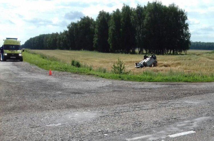 Photo of Смертельное ДТП под Стерлитамаком: Renault Logan при обгоне вылетел в кювет и опрокинулся