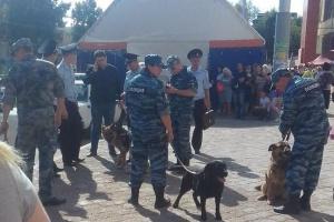 Photo of В Уфе из-за ложного сообщения о взрывных устройствах было эвакуировано более семи тысяч человек