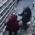 Видео: Нетрезвый уфимец устроил дебош в магазине