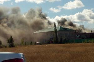 Photo of В Башкирии крышу склада тушили 47 человек