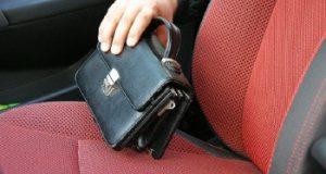 У жителя Стерлитамака из авто украли мобильный телефон и документы