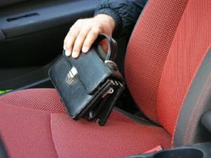 Photo of У жителя Стерлитамака из авто украли мобильный телефон и документы