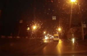 Photo of В сети появилось видео наезда маршрутки на молодую девушку в Стерлитамаке