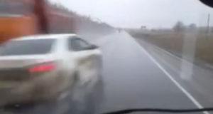 Чудо на трассе в Башкирии: водитель легковушки избежал столкновения с КамАЗом