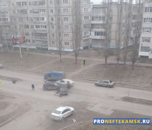 Photo of В Нефтекамске на улице Ленина столкнулись два автомобиля