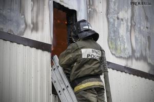 Photo of Аварийный барак сгорел ночью в Уфе