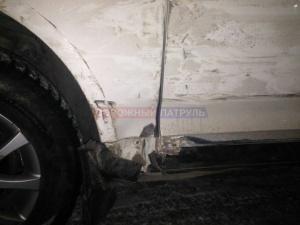 Photo of На трассе Уфа – Аэропорт автомобиль Mazda столкнулся с Volkswagen Tiguan и врезался в столб