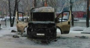 Продолжение истории со сгоревшим микроавтобусом в Уфе: его могли поджечь конкуренты перевозчика