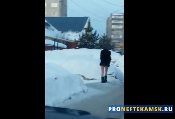 Photo of В Нефтекамске «прославилась» полуголая девушка