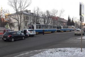 Photo of В Уфе автоавария парализовала движение трамваев