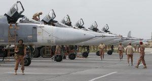 Двое российских военных погибли при обстреле боевиками авибазы в Сирии