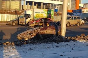 Photo of В Уфе столкнулись две легковушки