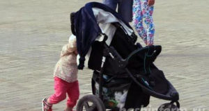 В РФ отменяют налог на «детские» выплаты семьям