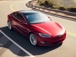 Photo of В Евро союзе Tesla Model S в первый раз опередил по продажам BMW 7-Series и Мерседес S-Class