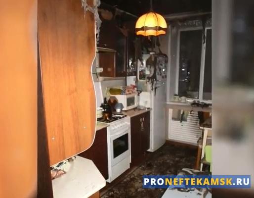 Photo of В Нефтекамске на улице Ленина из-за вспыхнувшего масла чуток не сгорела квартира