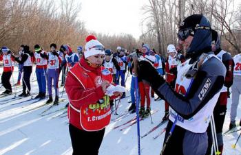 В Стерлитамаке студенты выполнили норматив комплекса ГТО «Бег на лыжах»