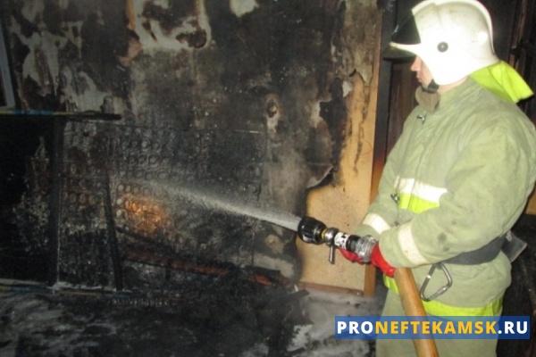 Photo of В Нефтекамске загорелась квартира: мужик получил ожоги