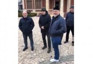 Photo of Рамзана Кадырова увидели в организации человека, объявленного в федеральный розыск