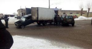 В Стерлитамаке в итоге ДТП из ГАЗели выпала семерка