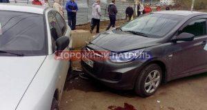 В Уфе девушку-пешехода зажало между двумя автомобилями
