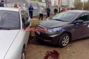 Photo of В Уфе девушку-пешехода зажало между двумя автомобилями